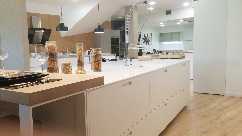 Oferta cocina santos modelo karmel docrys cocinas for Cocinas modelos