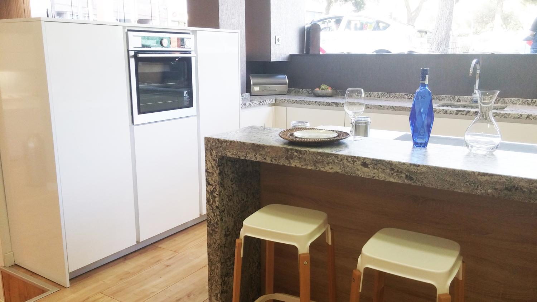 Oferta cocina santos modelo minos line l docrys cocinas for Modelos de cocinas en l