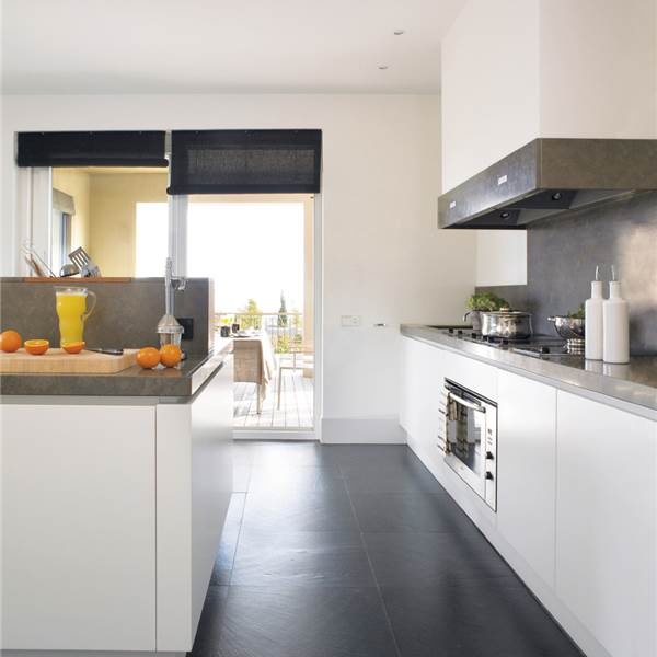 suelos para cocinas blancas docrys cocinas On cocinas blancas con suelo de madera