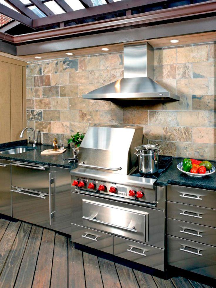 También conseguirás innovar en tu cocina si decides apostar por una  combinación de metal y colores llamativos como el rojo 524dd767b82e