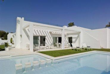reforma integral vivienda moderna mediterráneo