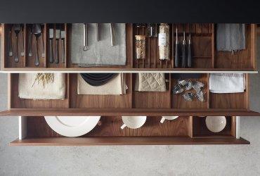 ¿Cómo organizar tu cocina con accesorios de cocinas Santos?