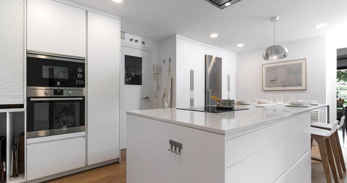 Cocina blanca de Cocinas Santos
