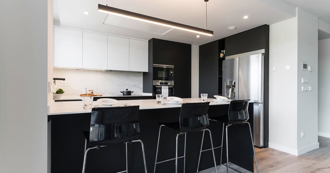 Cocina negra Santos moderna