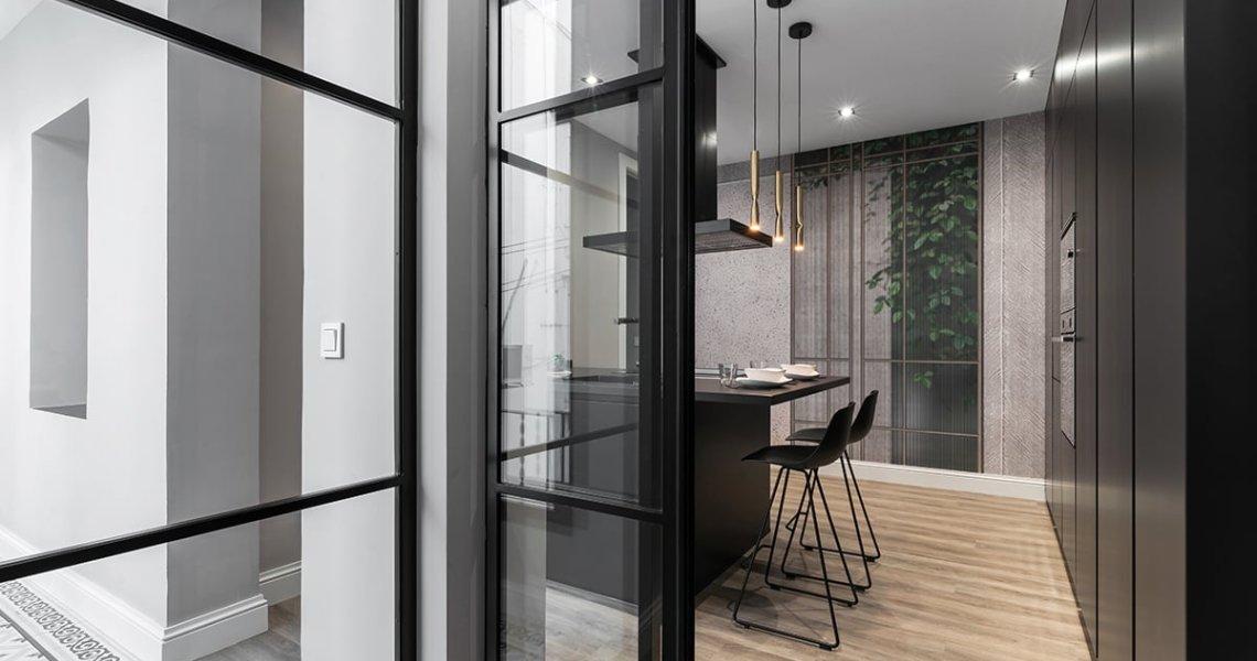 entrada a cocina con puertas correderas