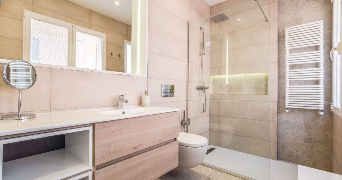 Proyecto de interiorismo ático de lujo baño