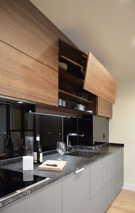 Muebles de cocina Santos Modelo Line LAH + Line-E Gris Visón + Nogal