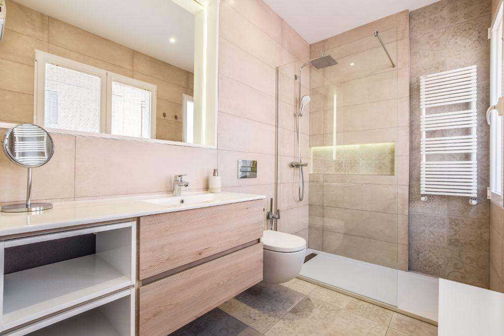 Cuarto de Baño de diseño moderno