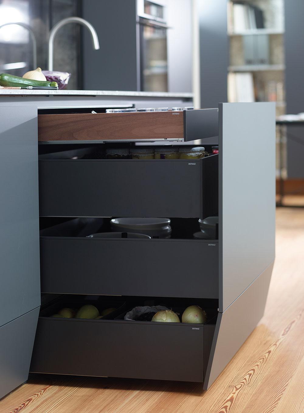 Muebles de cocina Santos con 4 niveles de cajones