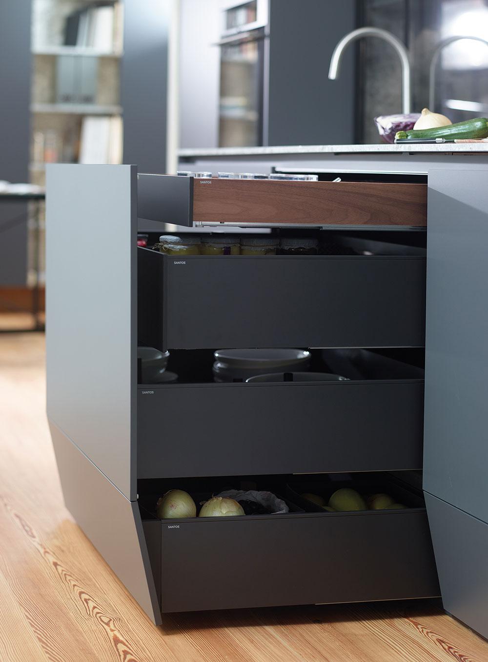 Muebles de cocina con 4 niveles de cajones