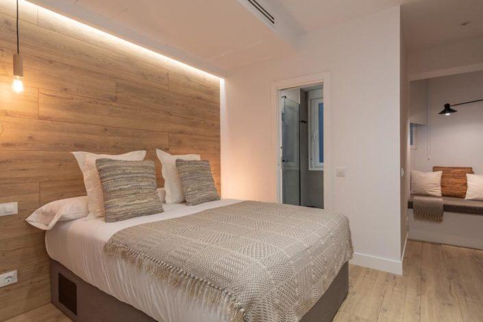 Dormitorio matrimonio rústico contemporáneo