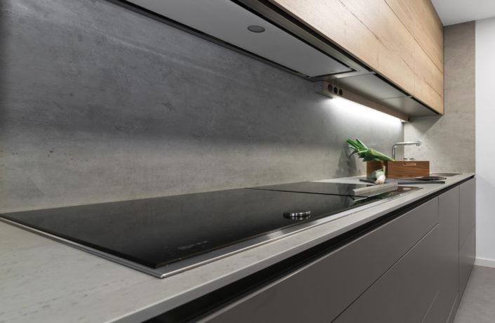 Detalle encimera y fuegos cocina